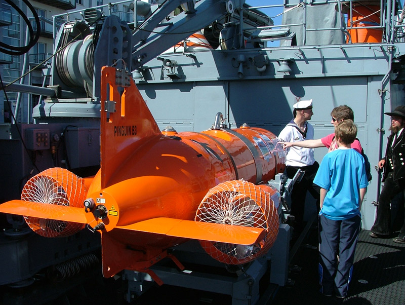 German Navy Minesweeper M1058 Fulda minesweeping equipment